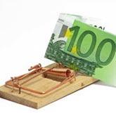 100-Euro-Geldschein in der Mausefalle