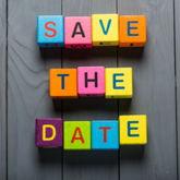 """""""Save the date"""" aus bunten Buchstabenwürfeln zusammengesetzt"""