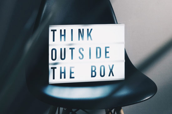 Spruch: think outside the box