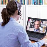 Videointerview, beide Gesprächspartner mit Headset