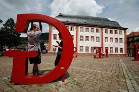 Universitätsplatz, typographische Installation