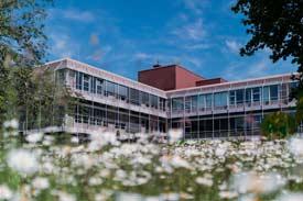Das Hauptgebäude der RWU