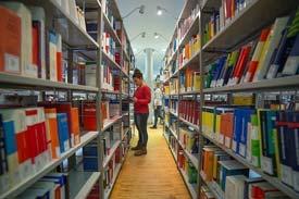In der Bibliothek der HWG LU