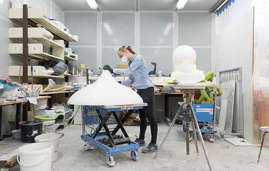 Arbeiten in einer Werkstatt an der Kunstakademie Münster