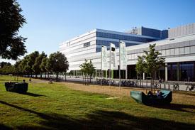 Außenansicht der Uni Bielefeld