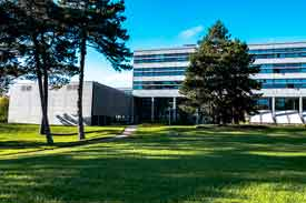 Der B-Bau der Technischen Hochschule Ulm