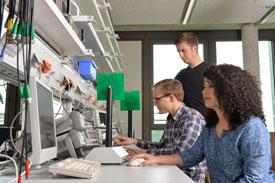 Labor im Fachbereich Ingenieurwissenschaften und Mathematik der FH Bielefeld