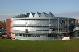 Der Hörsaalbau in der Ignaz-Schön-Straße 11. Schweinfurt