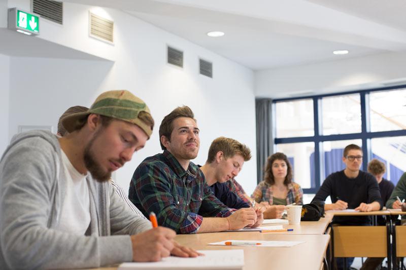 philosophie politik und konomik an der uni witten