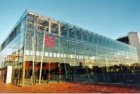 Glashalle im Zentralbereich der Universität Bremen.