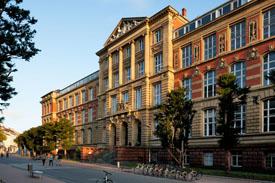 Das 1895 erbaute Alte Hauptgebäude der TU Darmstadt
