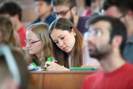 Studierende der TUD im Hörsaal