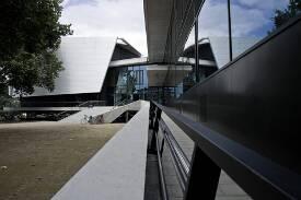 Eingang zum Konzertsaal der Hochschule für Musik Carl Maria von Weber Dresden