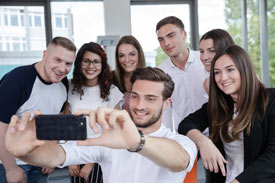 Selfie von Studierenden der provadis