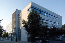Campus Göppingen mit den Fakultäten Mechatronik und Elektrotechnik, Wirtschaftsingenieurwesen.