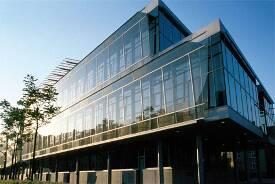Campus Stadtmitte mit den Fakultäten Angewandte Naturwissenschaften, Fahrzeugtechnik, Maschinenbau, Grundlangen, Versorgungstechnik und Umwelttechnik sowie der Verwaltung