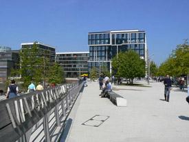 Die Hamburger Hafencity mit dem Gebäude der MSH