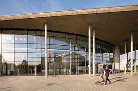 Eingang zum Audimax - Hochschule Flensburg