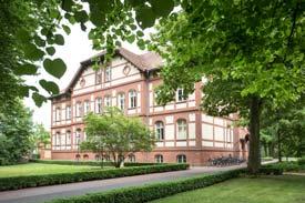 Außenansicht; Gebäude der MHB Theodor Fontane