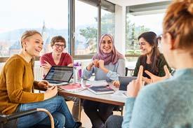 Studierende an der Katholischen Hochschule Freiburg