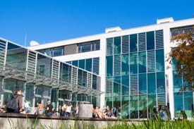 Auf dem Campus der Hochschule Offenburg