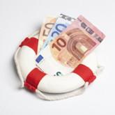 Rettungsring mit Geldscheinen