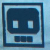 Kleine Monster auf dem Bildschirm (extrem nah, dadurch Farbpixel erkennbar)
