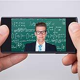 Dozent mit Smartphone fernsteuern