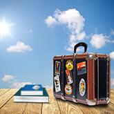 Koffer, Bücher und Studentenausweis