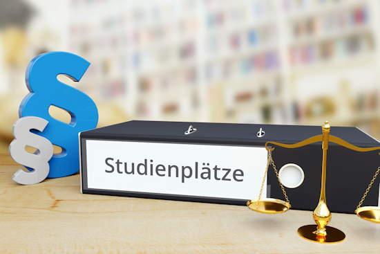 """Ordner """"Studienplätze"""", daneben Balkenwaage (Symbol für Abwägen in der Justiz) und Paragraphen-Zeichen"""